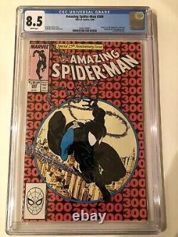 Amazing Spider-Man #300 CGC VF+ 8.5 White Pages 1st Venom