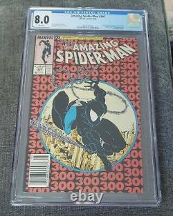 Amazing Spiderman 300 CGC 8.0 Newsstand Copy White pages FIRST APP OF VENOM